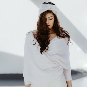 Collection robe de mariée Fiona pull. L'Amoureuse by Ingrid Fey